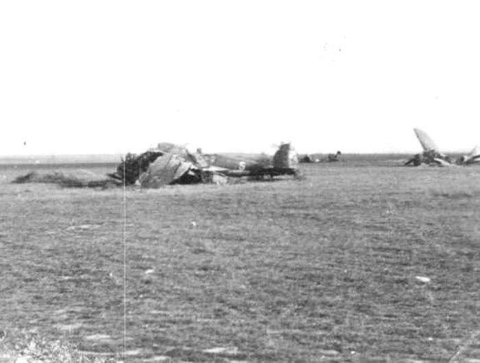 PZL-37otymrazemegzemplarzznumeremtaktycznym5.jpg